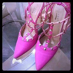 Pink studded high 👠 heel